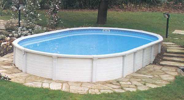 piscina ovale elegante atrium