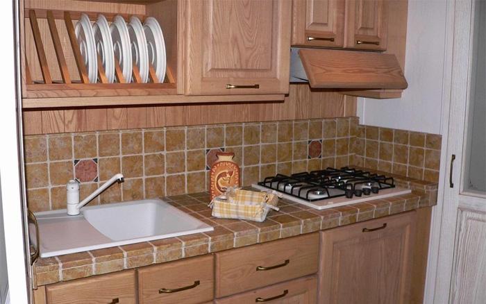 mobili-alti-cucina-salvaspazio